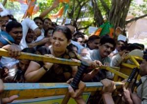 BJP-activists-Smriti-Zubin-Irani-protest-against-fuel-price-hike