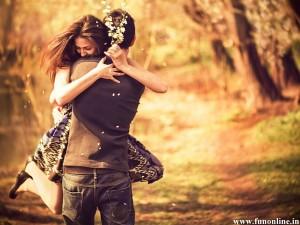 pleasing-couple-love-hugr